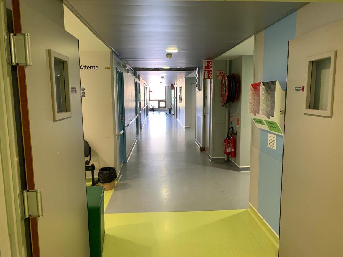 couloir consultation orthopédie CHU de Saint-Etienne