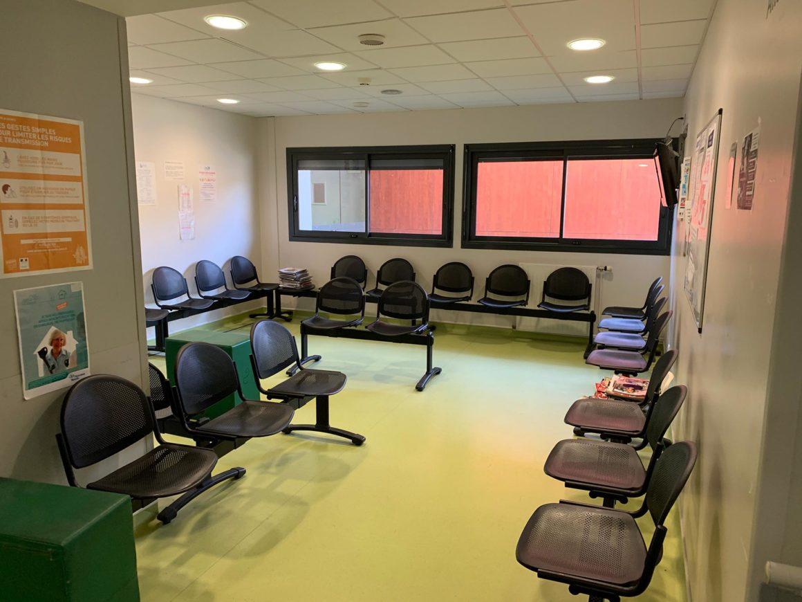 Salle d'attente consultation orthopédie CHU de Saint-Etienne